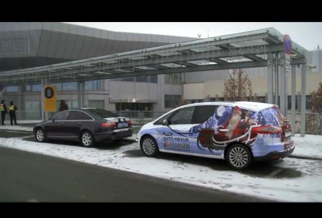 VIDEO: Mos Craciun se plimba cu Ford Fiesta S2000
