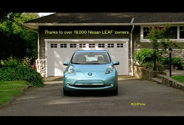 VIDEO: Nissan Leaf implineste un an