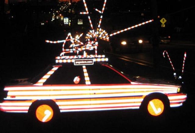 VIDEO: Masina lui Mos Craciun e de vanzare