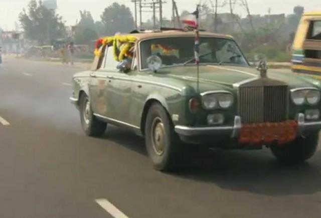 VIDEO: Cei trei crai de la Top Gear merg in... India