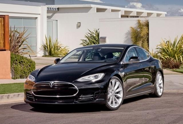 Tesla Model S de la 49900 dolari