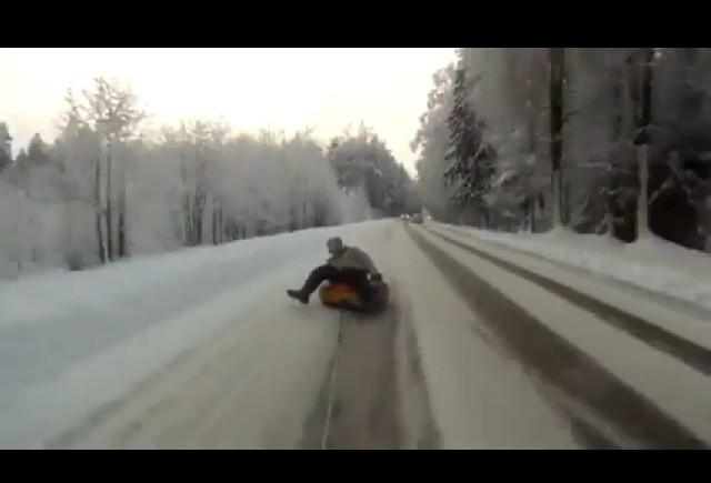 VIDEO: Slalom cu cauciucul