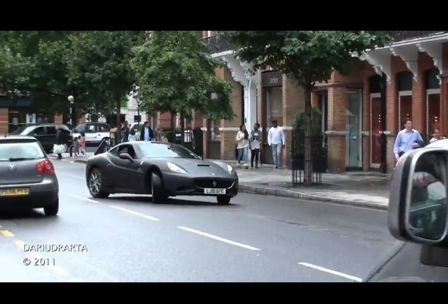 VIDEO: Supermasini in Londra
