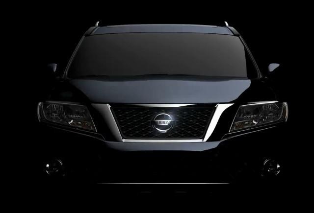 Nissan Pathfinder isi arata fata