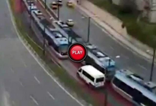 VIDEO: De ce nu este bine sa te pui cu tramvaiul