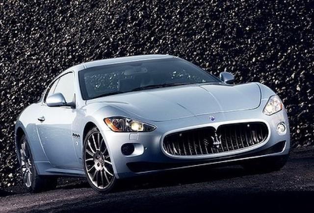 Un pusti de 10 ani a furat Maserati-ul tatalui sau