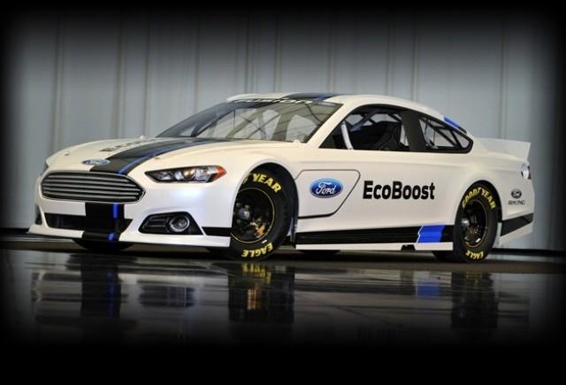 Acesta este Noul  Ford Fusion NASCAR Racecar