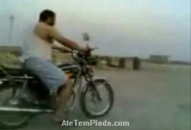 VIDEO: Nu gasesc frana motocicletei