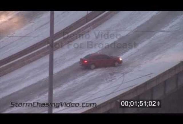 VIDEO: Derapaje auto pe autostrazile americane