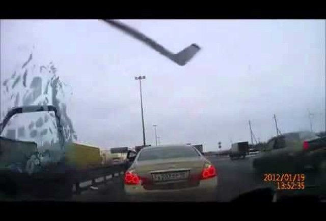 VIDEO: Un accident stupid de pe la rusi