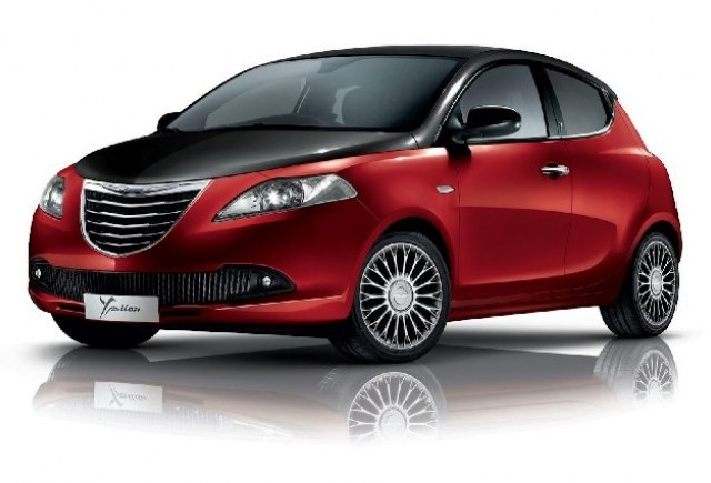 Noul Chrysler Ypsilon Black&Red a ajuns in UK