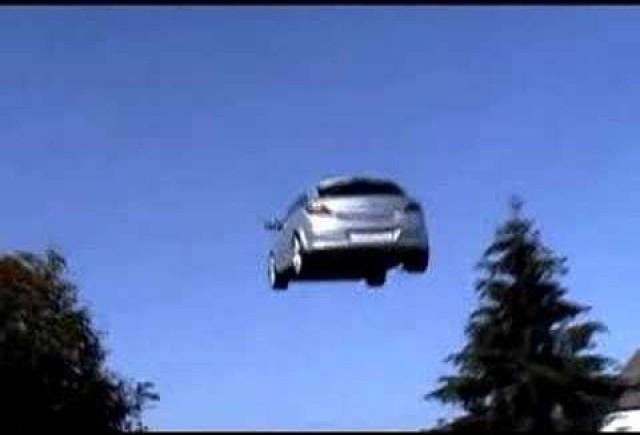 VIDEO: Masina zburatoare