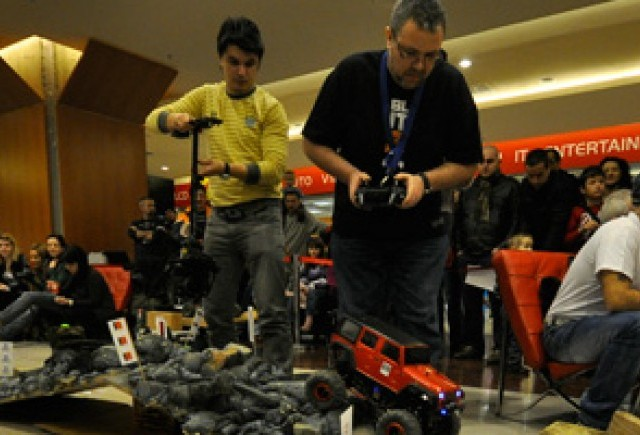 Week-end incendiar: RC Drift & RC Crawling Challenge 2012! Romania merge la International Car-Moto-Tuning Show Budapesta