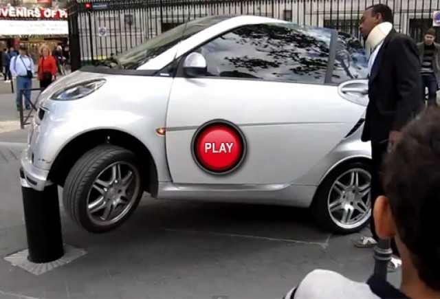 VIDEO: O parcare destul de SMART