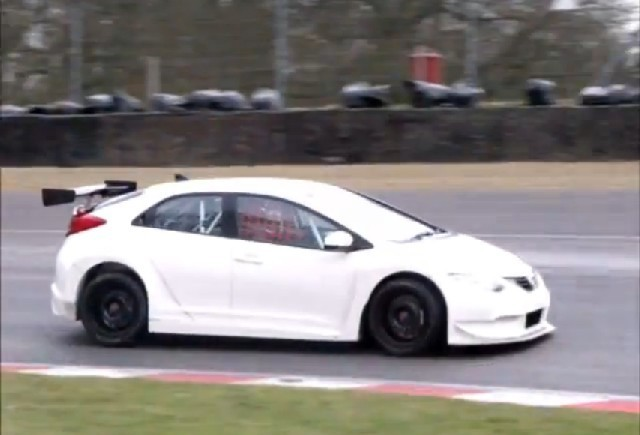 Honda Civic NGTC filmata la testele pe circuit