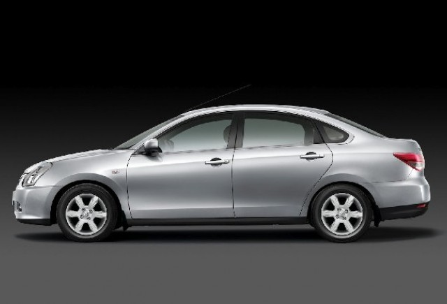 Nissan dezvaluie noul sedan Almera