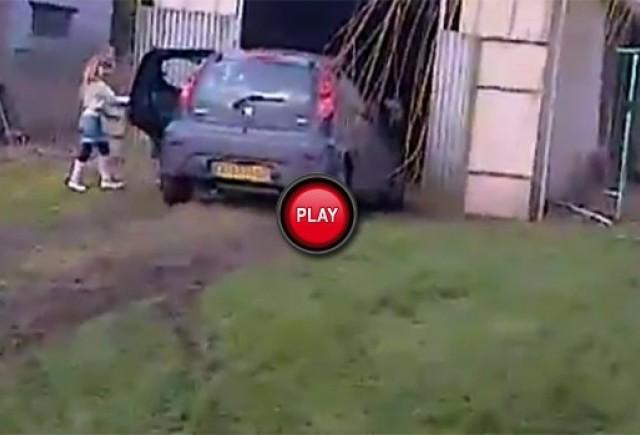 VIDEO: Ce se intampla cand te furisezi in masina parintilor