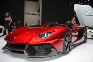 GENEVA 2012 LIVE: Lamborghini Aventador J