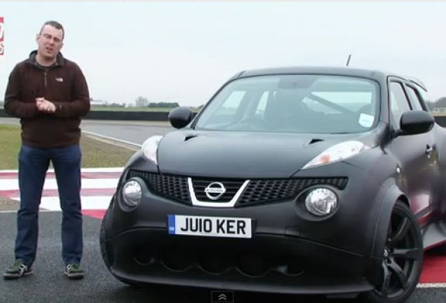 VIDEO: Nissan Juke-R vs Nissan GT-R