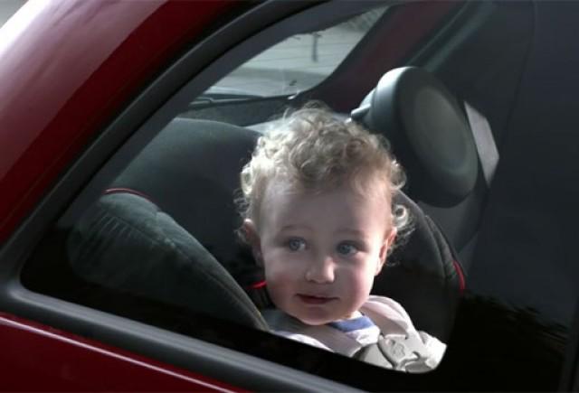 VIDEO: O noua reclama comica marca Fiat 500