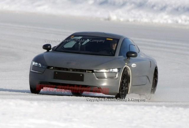 Fotografii spion cu Volkswagen XL1
