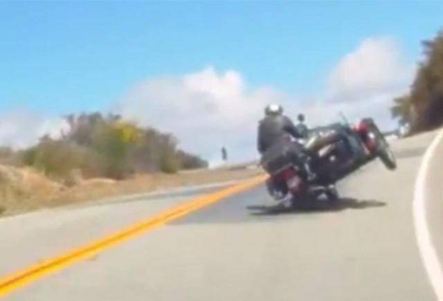 VIDEO: Motocicleta cu atas - Pe doua roti