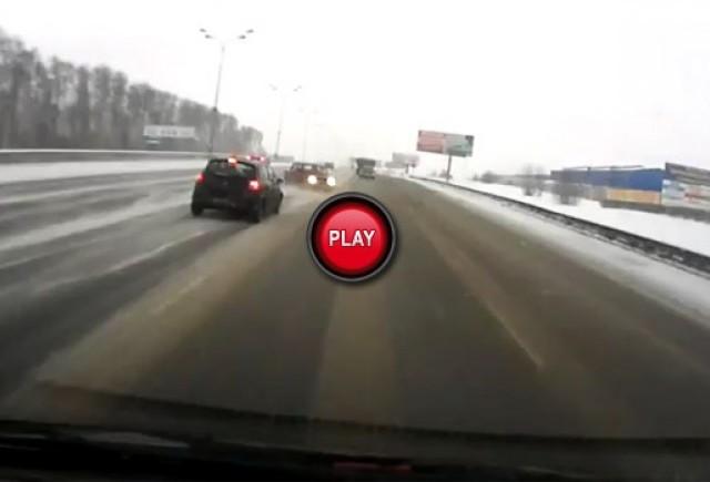 VIDEO: Cum patineaza o Lada