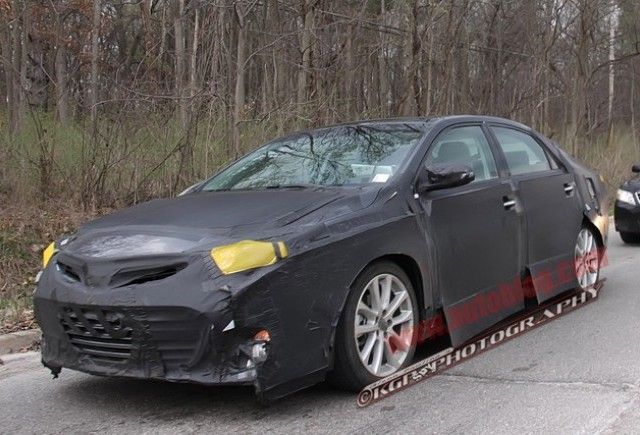 Imagini spion cu Toyota Avalon 2014