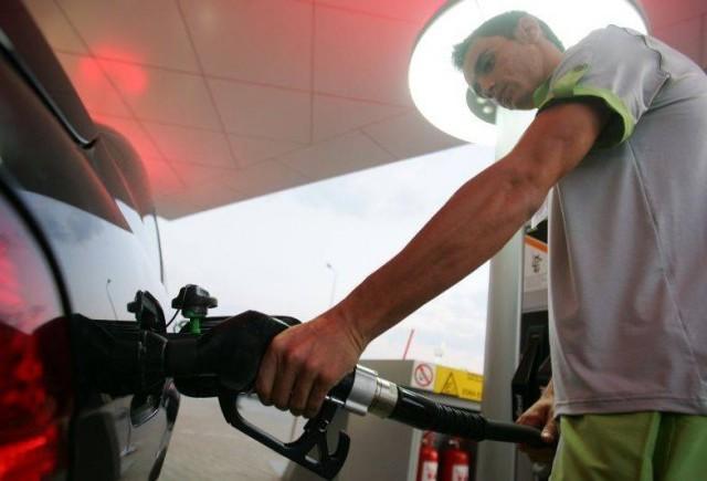 Intruniri secrete ale benzinarilor la Ministerul Economiei