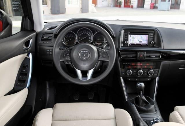Mazda CX-5, un interior de cinci stele