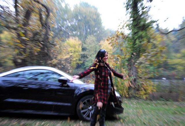 EXCLUSIV: Fetele de la Masini.ro - Irina & RCZ