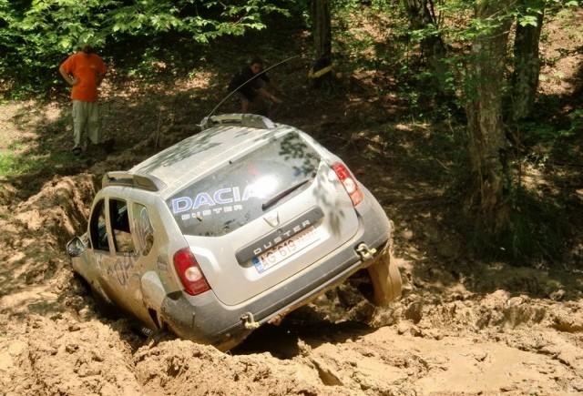 Dacia Duster intra in offroad-ul adevarat!