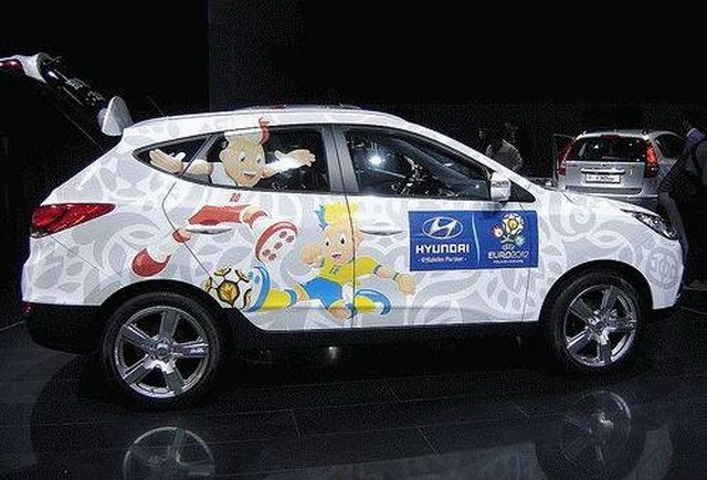 Hyundai asigura autovehiculele pentru UEFA EURO 2012™
