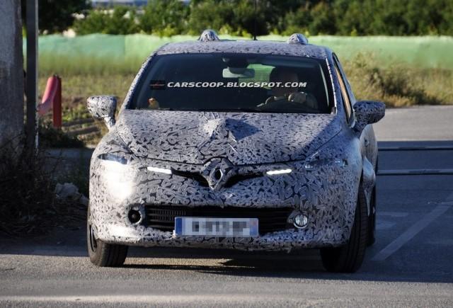Noi imagini spion cu Renault Clio 2013