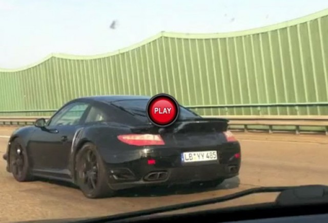 Noul Porsche 911 Turbo in actiune