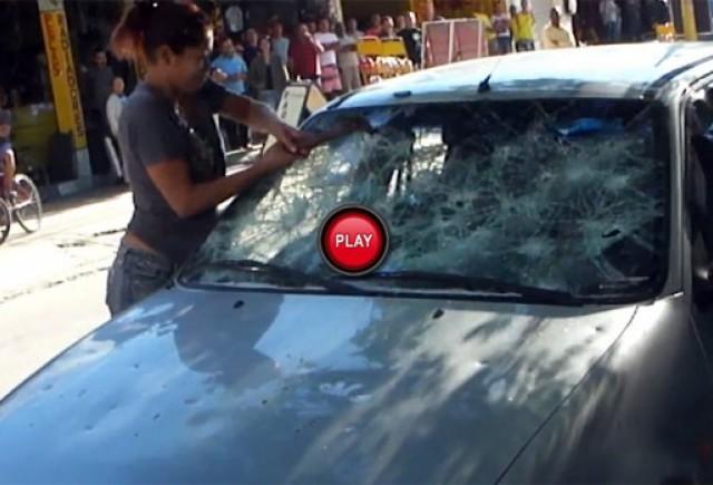 VIDEO: Ford Fiesta distrus de o prietena furioasa