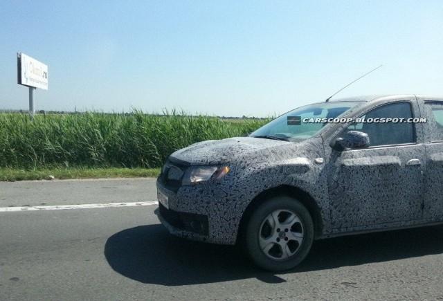 Imagini spion cu noua Dacia Sandero pe drumurile patriei