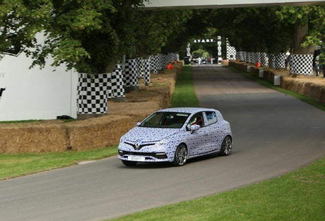 Primul material video cu Renault Clio RS MK4 2013