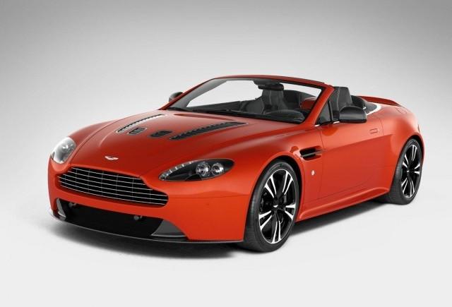 Primele imagini cu superbul Aston Martin V12 Vantage Roadster