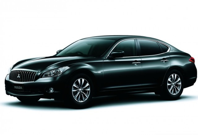 Mitsubishi ataca segmentul de lux prin modelele Proudia si Dignity