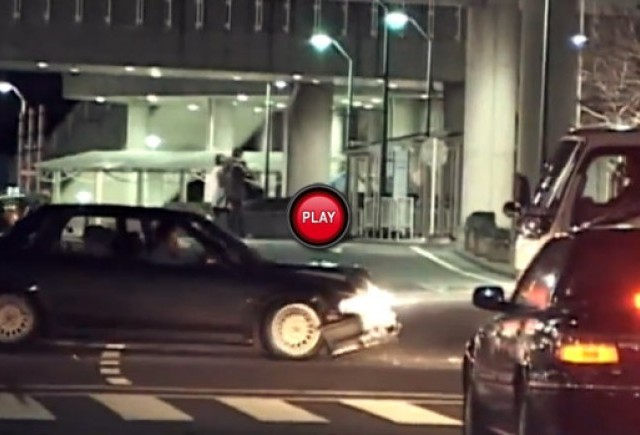 Intre timp in Japonia - Iata modul corect de a te ciocni cu un camion