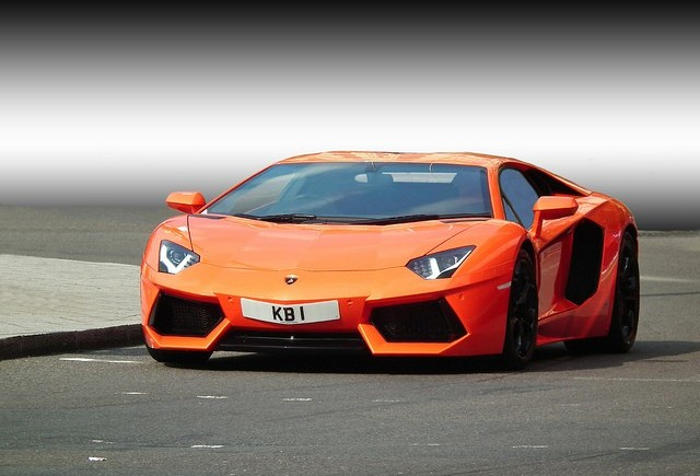 Lamborghini Aventador a ajuns la 1000 de unitati produse
