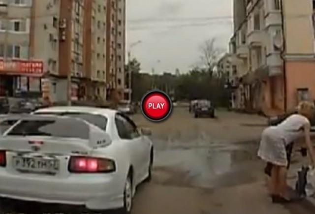 Intre timp in Rusia - Iata cum multumesc pietonii atunci cand sunt lasati sa treaca strada