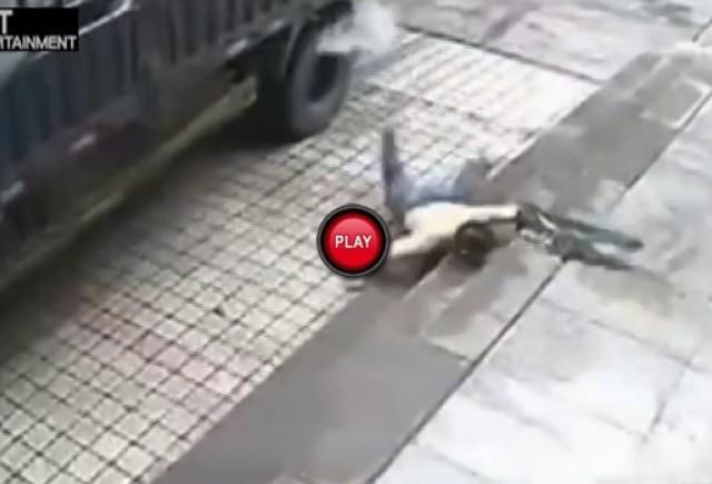Iata ce s-a intamplat cu un chinez dupa ce a incercat sa dezumfle o roata