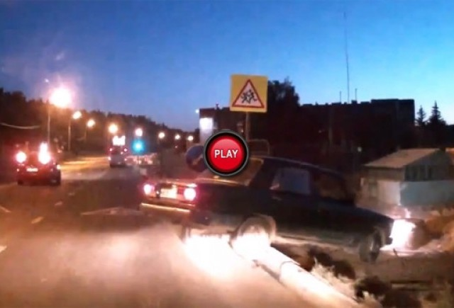 Intre timp in Rusia - Iata ce a facut un sofer rus dupa ce i-a fost lovita masina