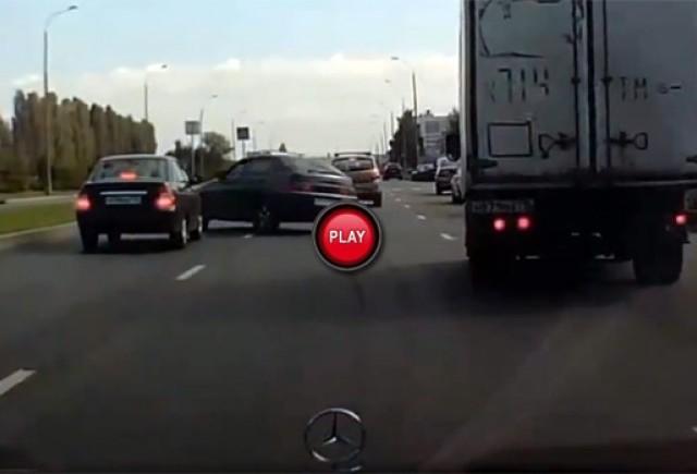 Intre timp in Rusia - Cum sunt invatati rusii sa conduca atunci cand fac scoala de soferi