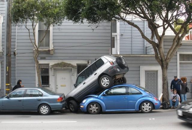 Nu stiti sa parcati ? Urmeaza amenzi usturatoare pentru voi