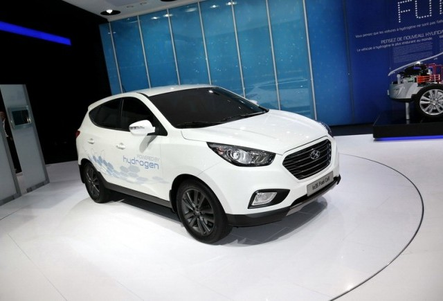 Paris 2012 - Hyundai ix35 Fuel Cell