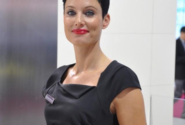Fetele de la Salonul Auto Paris 2012 (3)