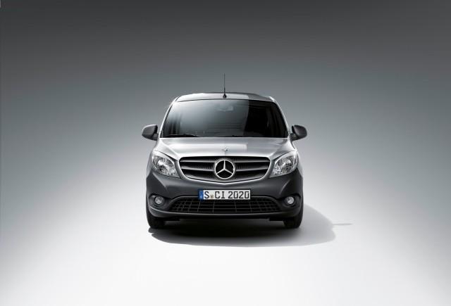 Noul Mercedes-Benz Citan:  un autovehicul comercial eficient pentru oraş